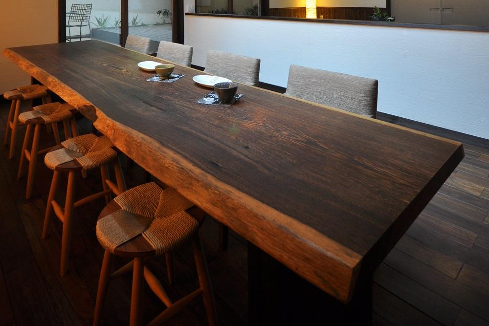 黒・ダーク系無垢テーブル(ウェンジ)